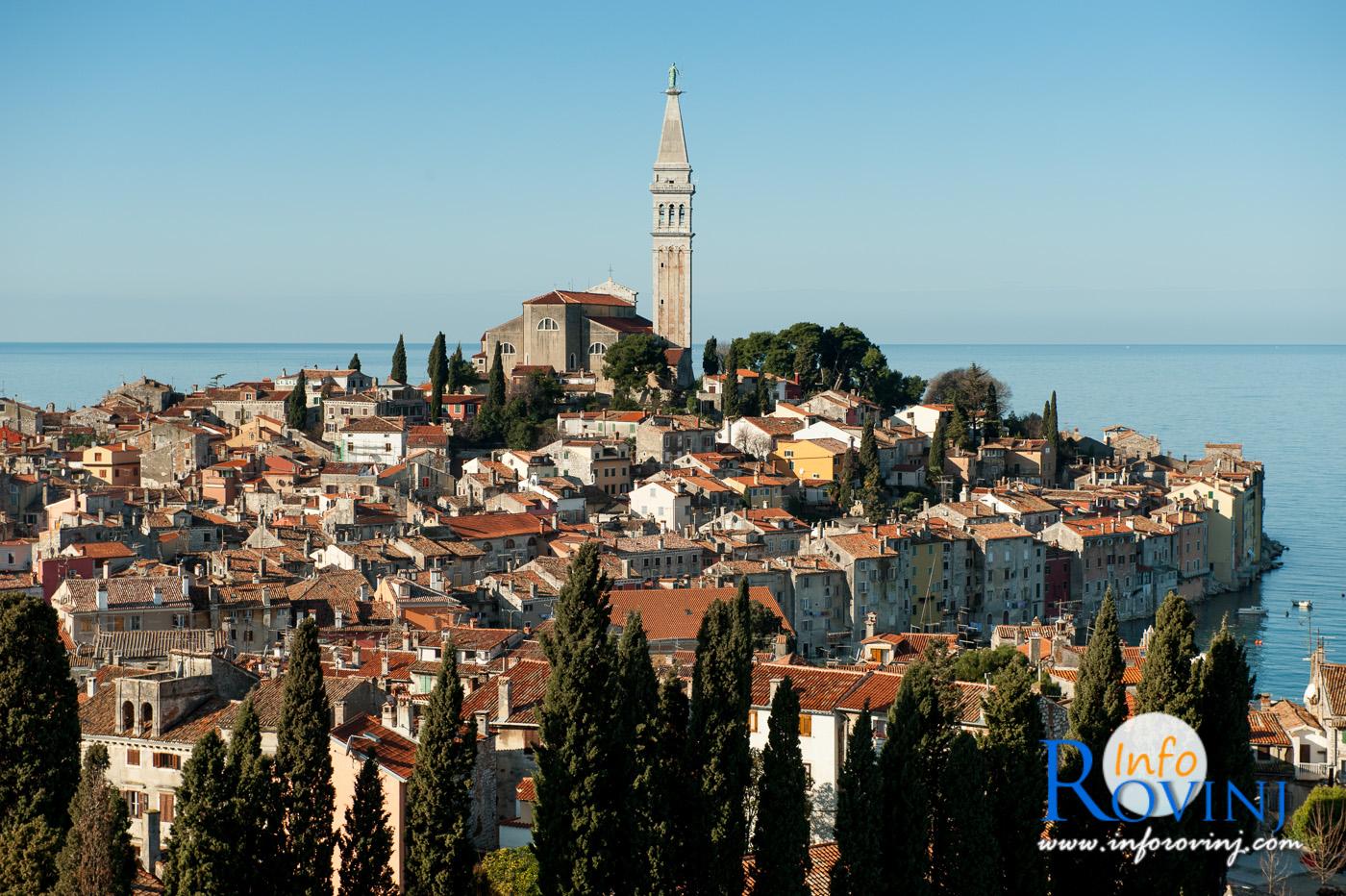 Rovinj has 14 294 inhabitants 2011 it is located on the western
