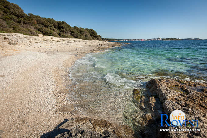 Beaches in Rovinj: Tourist settlemet Amarin 2