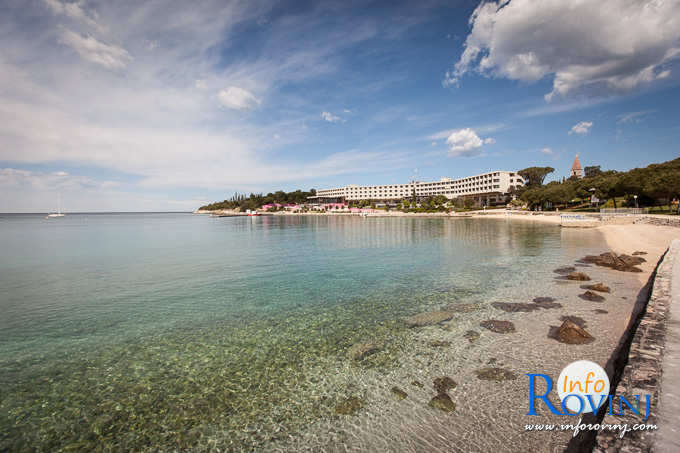 Beaches in Rovinj: Red Island - St. Andrew Island