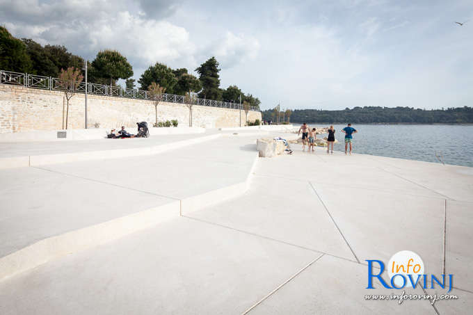 Beaches in Rovinj: Moulin Rouge